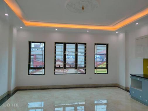 Bán nhà chính chủ phố Huỳnh Thúc Kháng 92m2, 8 tầng thang máy giá 32 tỷ
