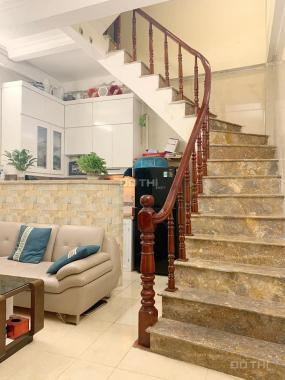 Bán nhà nghỉ, Đền Lừ, vỉa hè, 70m2, 7 tầng, MT 5.4m, giá 13.1 tỷ. 0983064810