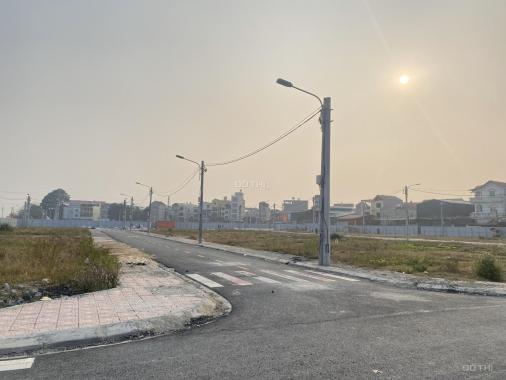 Cần bán lô góc 3 mặt thoáng làng nghề Sơn Đồng, mặt đường 422, đã có sổ đỏ. LH: 0963208188