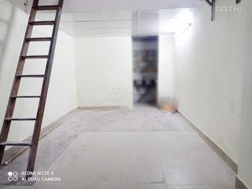 Hiếm! Bán nhà Nguyễn Trãi 25m2, ngõ 3 gác thông, view Royal, nhỉnh 1 tỷ