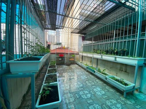 Bán nhà Khương Đình - ô tô đỗ - 5 tầng thang máy - nội thất cao cấp - DT 52m2 giá hơn 7 tỷ