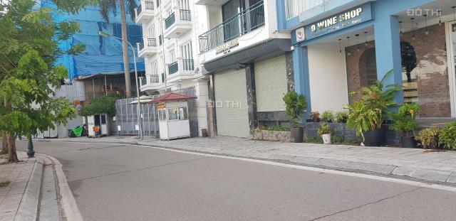 Bán 120m2 đất view Hồ Tây Hà Nội kinh doanh vỉa hè