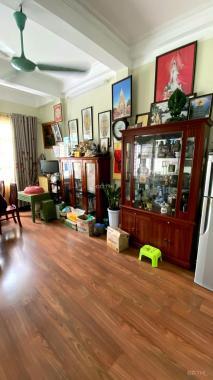 Gia đình cần bán gấp nhà mặt phố Cát Linh, 35m2 6T MT 4m, lô góc, KD đỉnh giá chỉ 14,7 tỷ