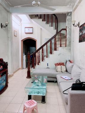 Bán nhà Khương Đình vị trí đẹp, diện tích rộng giá rẻ, cách 1 nhà ra mặt phố ô tô tránh
