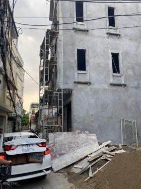 Chính chủ nhờ bán gấp dãy nhà kinh doanh ở đường Đà Nẵng, ô tô đỗ cửa