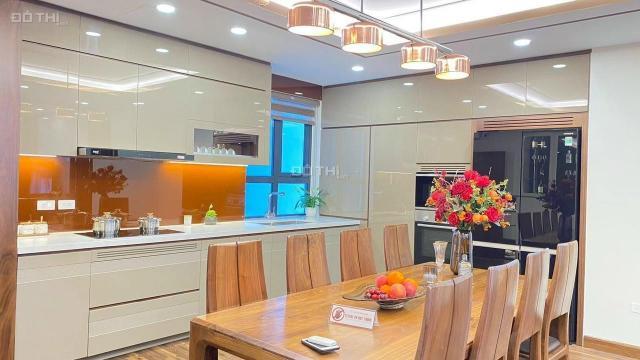 Chung cư Goldmark City bán căn hộ DT 140m2 3PN view thoáng đầy đủ nội thất giá 27tr/m2