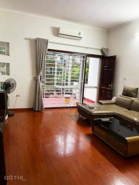 Mặt phố Nguyễn Chí Thanh, Đống Đa, vỉa hè kinh doanh. 0569766799