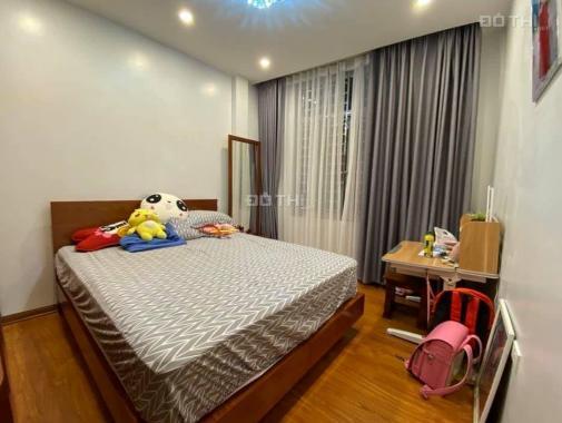 Tôi bán nhà mặt phố Kim Mã sầm uất gần phố Trần Phú 12m2 chỉ 5,168 tỷ. LH 0989626116