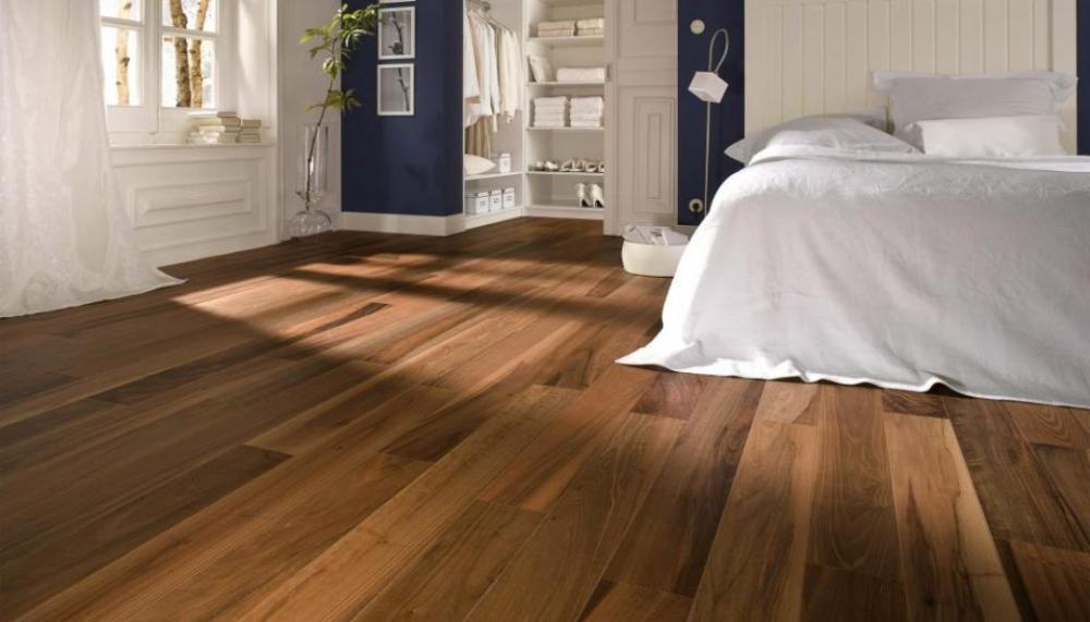 Chọn sàn gỗ cứng hay sàn Vinyl cho phòng ngủ?