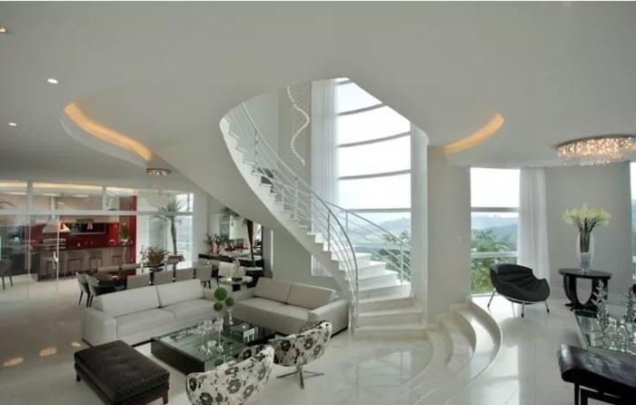 Nhà ở sang trọng và quyến rũ hơn với cầu thang xoắn ốc