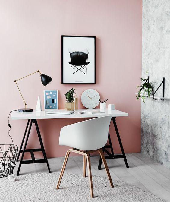 tường màu hồng tro