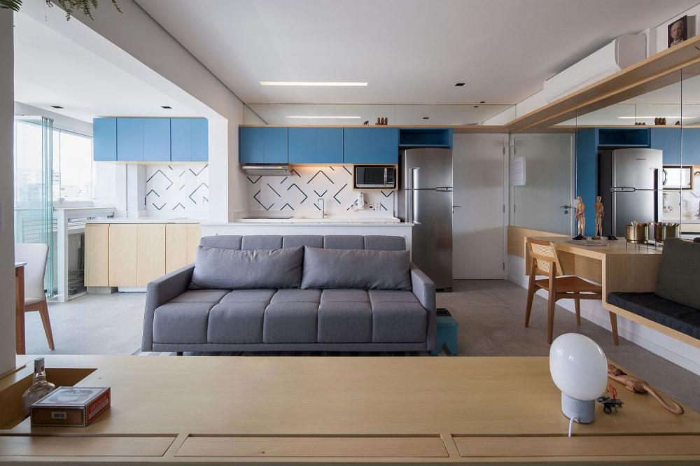 Nội thất được lựa chọn kỹ và bài trí hợp lý giúp căn hộ nhỏ hẹp trông rộng rãi hơn so với diện tích thực tế.