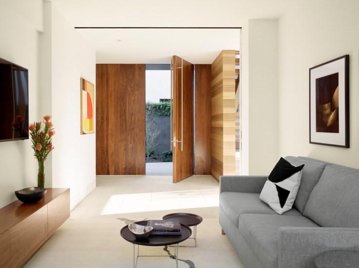 Bên trong biệt thự, vật liệu phong cách Tây Ban Nha