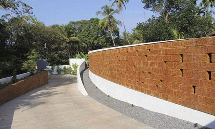 tường rào bằng đá ong