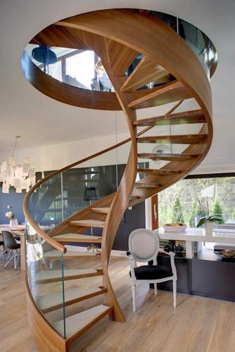 Lựa chọn cầu thang xoắn ốc bằng gỗ