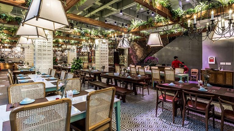 nhà hàng đẹp ở 70 Nguyễn Du