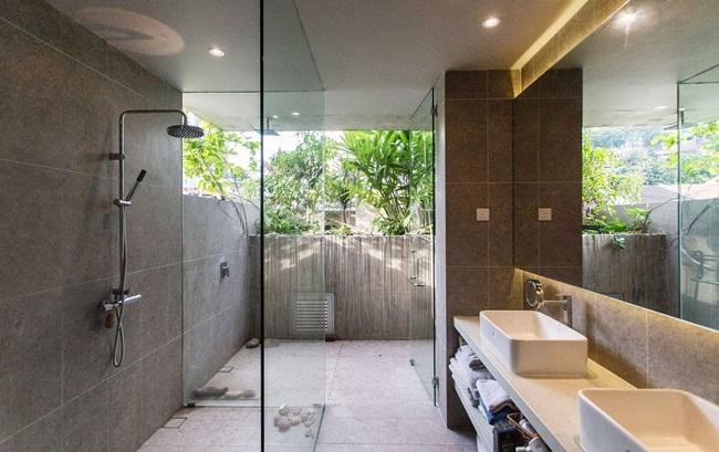 phòng tắm phong cách mở