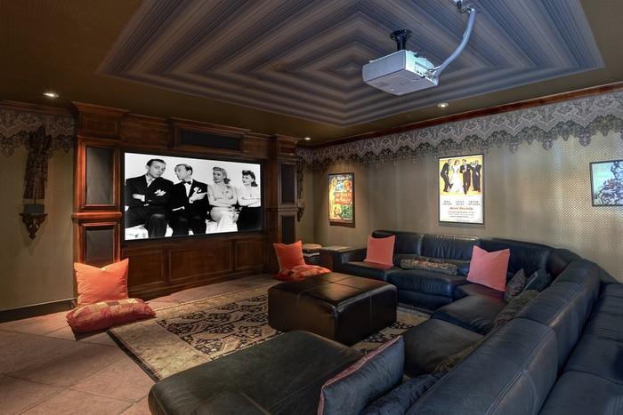 phòng xem phim trong biệt thự