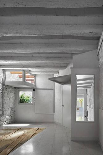 thiết kế nhà bê tông hiện đại