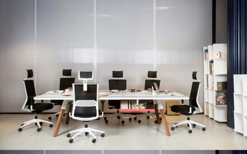 bàn làm việc dành cho công sở