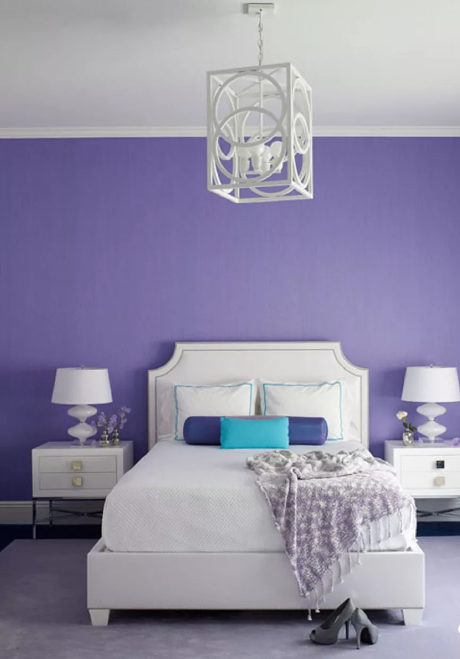 tường nhà màu tím