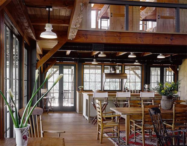 không gian bếp ăn liền kề phòng khách