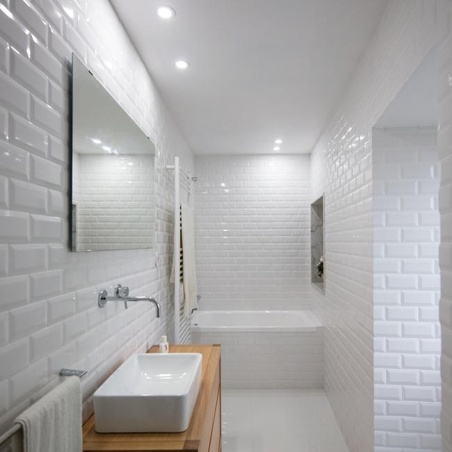 Bồn tắm và bồn rửa được làm từ đá granite