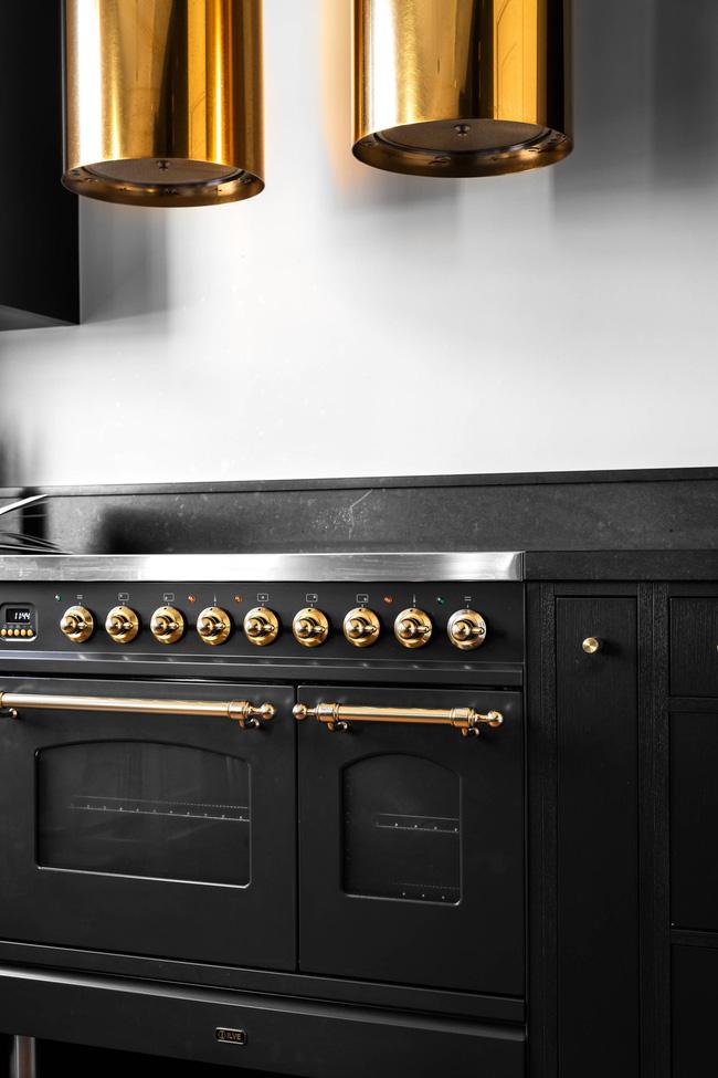 Hình ảnh mẫu tủ bếp màu đen tuyền
