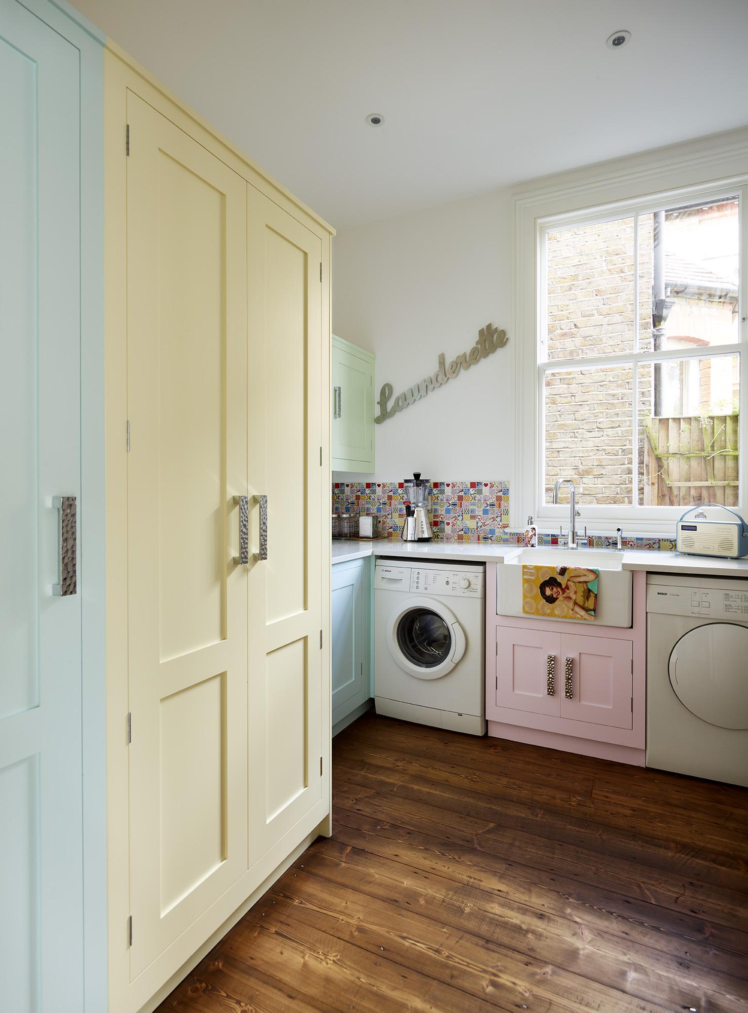 đặt máy giặt trong phòng bếp