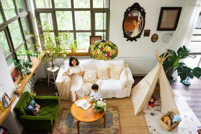Vợ chồng trẻ cải tạo nhà nát thành không gian sống đẹp như mơ
