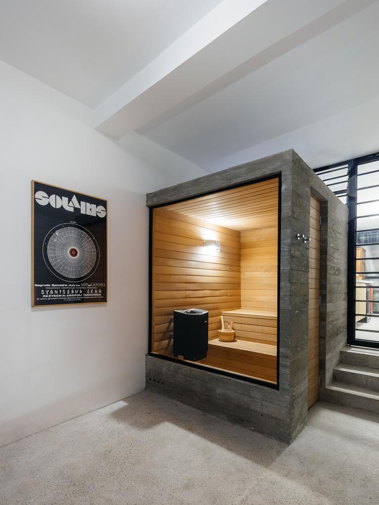 Hình ảnh toàn bộ tường và sàn phòng xông hơi trong nhà phố 3 tầng