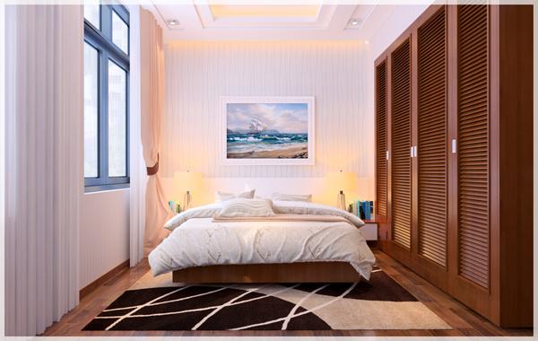 Hình ảnh phòng ngủ con nổi bật với hệ tủ gỗ cao kịch trần, rèm cửa 2 lớp hồng, trắng, tranh treo đầu giường