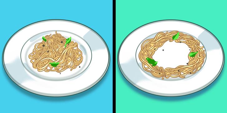 hình ảnh minh họa cách sắp đĩa mỳ trộn đúng cách khi hâm bằng lo vi sóng