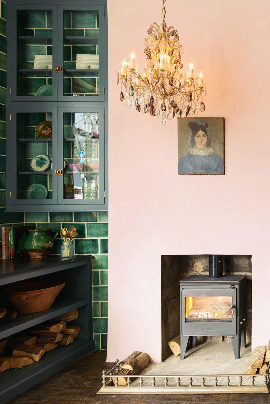 hình ảnh phòng bếp màu hồng baby và xanh lá cây
