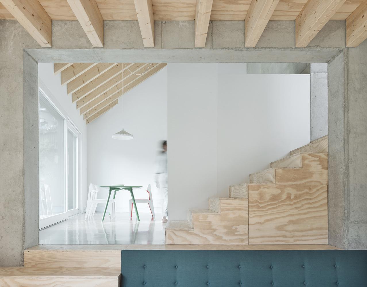 Xu hướng thiết kế nội thất tương lai chuộng sử dụng bê tông và gỗ ở trạng thái nguyên bản.