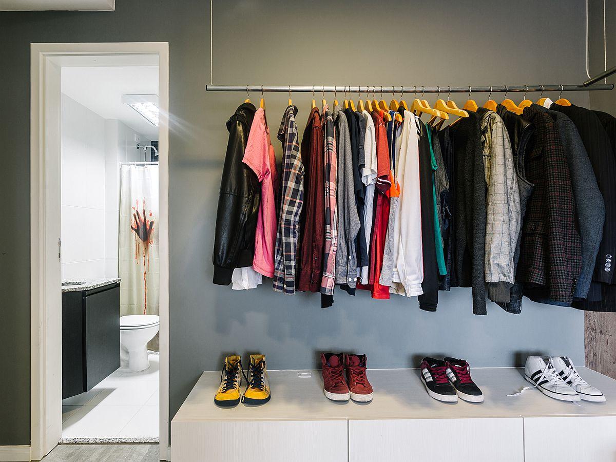 Thiết kế tủ quần áo mở kết hợp kệ để giày dép dễ dàng tạo ra trong phòng ngủ mà không hề gây rối mắt, bừa bộn. Tất cả phụ thuộc vào sự sắp xếp của bạn.