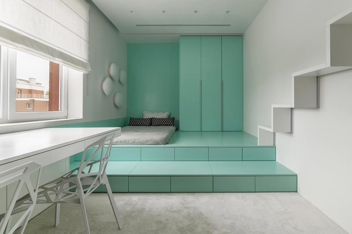 Phòng trẻ em là không gian duy nhất sử dụng màu sắc tươi mới, trẻ trung. Hệ giường tủ màu ngọc lam tạo cảm giác thư giãn, yên bình.