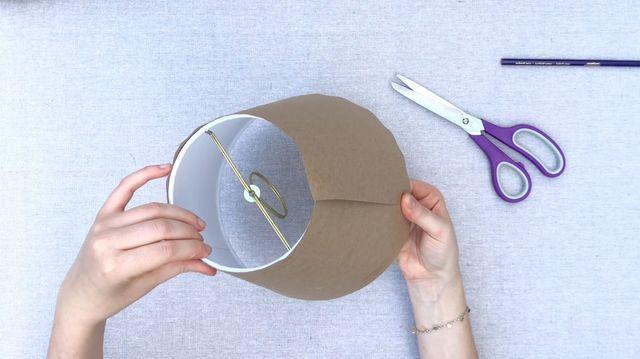chụp đèn tự làm bằng giấy bìa cứng