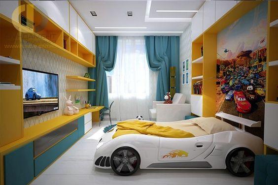 Phòng ngủ con trai ấn tượng với chiếc giường mô phỏng ô tô thể thao sành điệu.