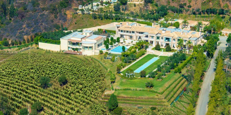 toàn cảnh khuôn viên ngôi nhà đắt nhất thế giới