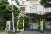 Cần bán biệt thự liên kế vườn Hưng Thái, Phú Mỹ Hưng, Quận 7. Giá 10.8 tỷ, nhà đẹp