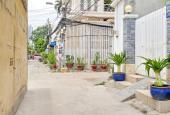 Bán gấp nhà 52 đường Nguyễn Thị Thập, Quận 7, DT: 4mx15m, 3 lầu