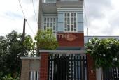 Bán nhà Hóc Môn 1 trệt, 2 lầu, DT đất 5x20m, DT sàn 230m2, sổ hồng riêng giá 980 triệu