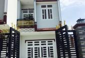 Bán nhà gấp 100m2, 1 lầu 1 trệt, sổ riêng, giá 700 tr, bao sang tên