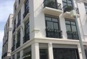 Cho thuê nhà đầy đủ tiện nghi, dãy vincom shophouse, mặt tiện sông