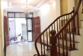 Bán nhà Khương Trung, gần cầu Khương Đình, 40m x 4 tầng, SĐCC, giá 2,8 tỷ. LH: 0979.201.132