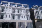 Bán nhà mới xây, 1 trệt 3 lầu gần QL13 cách chợ Bình Triệu 10' xe máy, SHR sang tên ngay
