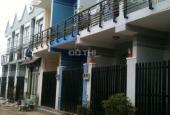 Bán nhà phố 900 triệu SH riêng mặt tiền đường Số 5, Thị Trấn Thủ Thừa, Long An