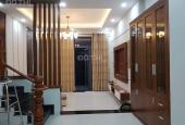 Bán nhà mặt tiền Trần Văn Đang, Phường 9, Quận 3. DT: 4.5m x 11m