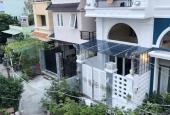Bán gấp nhà 2 lầu mới đẹp, nở hậu, hẻm 40 Nguyễn Khoái, Quận 4